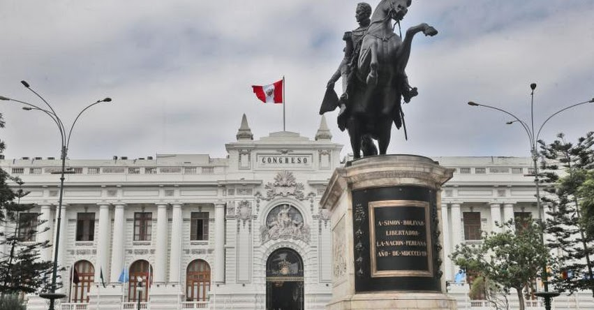 Interpelación a ministros está afectando confianza e inversión, sostiene economista Drago Kisic