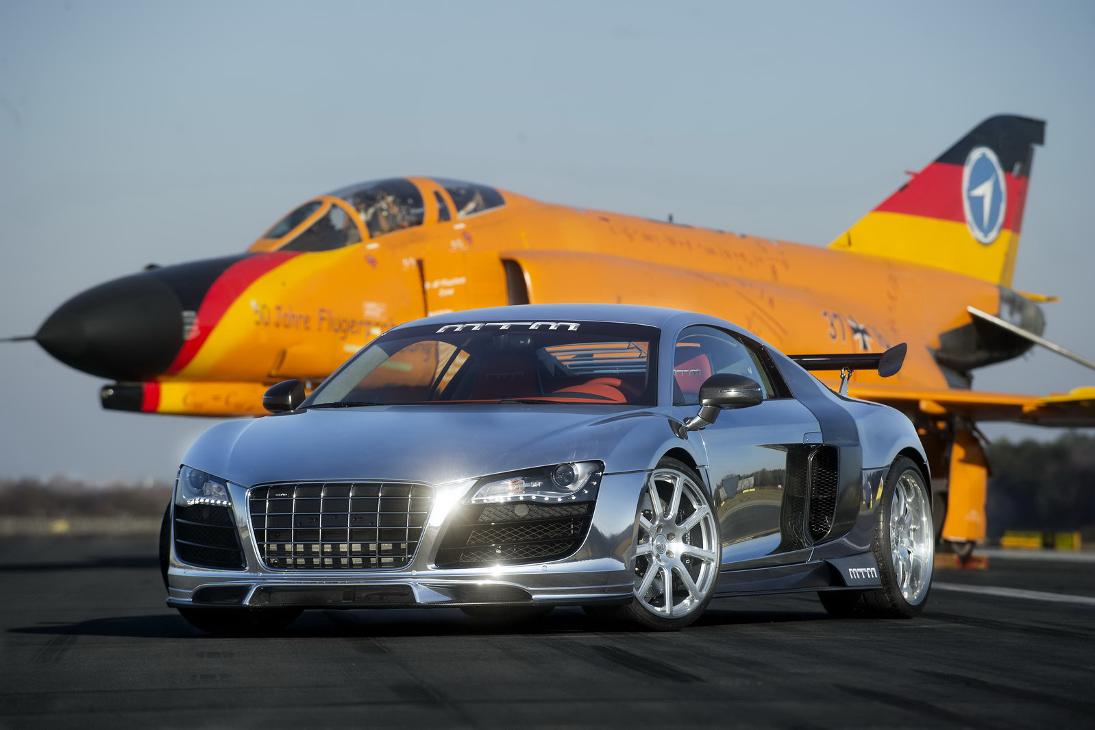 https://3.bp.blogspot.com/-EeSOVa1DPxM/TgjyuVpOoQI/AAAAAAAAA6E/T3PUtiUfwzQ/s1600/MTM-Audi-R8-V10-1.jpg