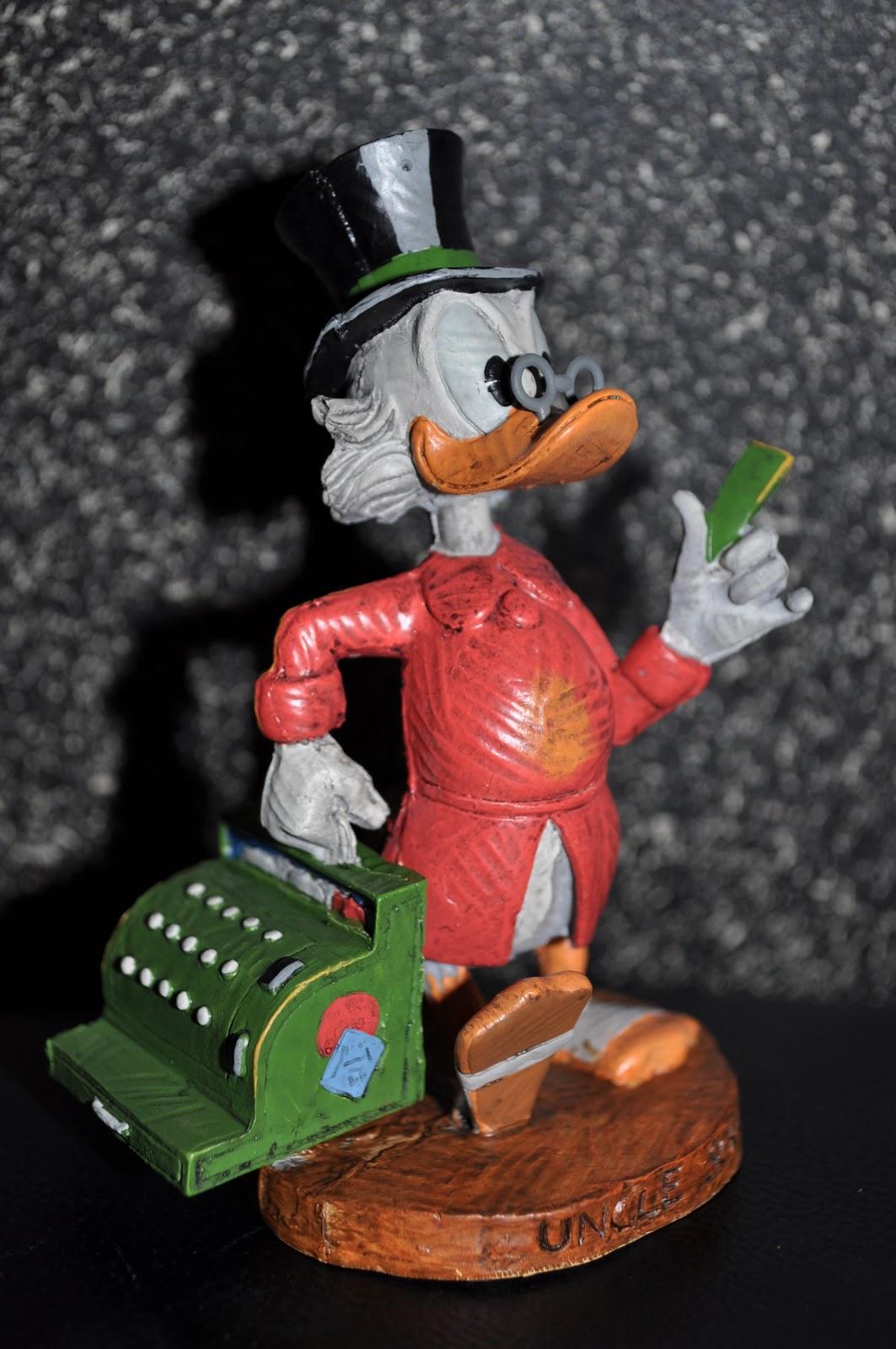 Disney Pixar Fanatics Dark Horse Uncle Scrooge Figure