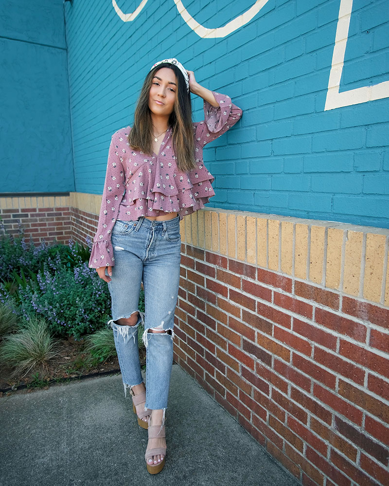 chicwish clothing review, pretty floral outfit ideas, how to style knot headbands, sincerely jules scunci collection, levis 501 outfit