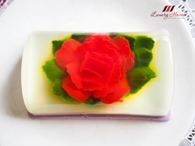 kara coconut cream 3d flower art recipe