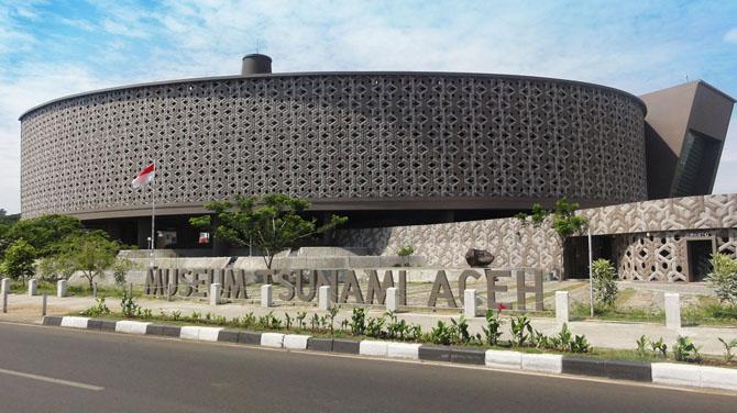 Museum Tsunami di Aceh