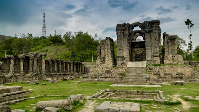 Martand Sun Temple in Kashmir - lost in the sands of time...