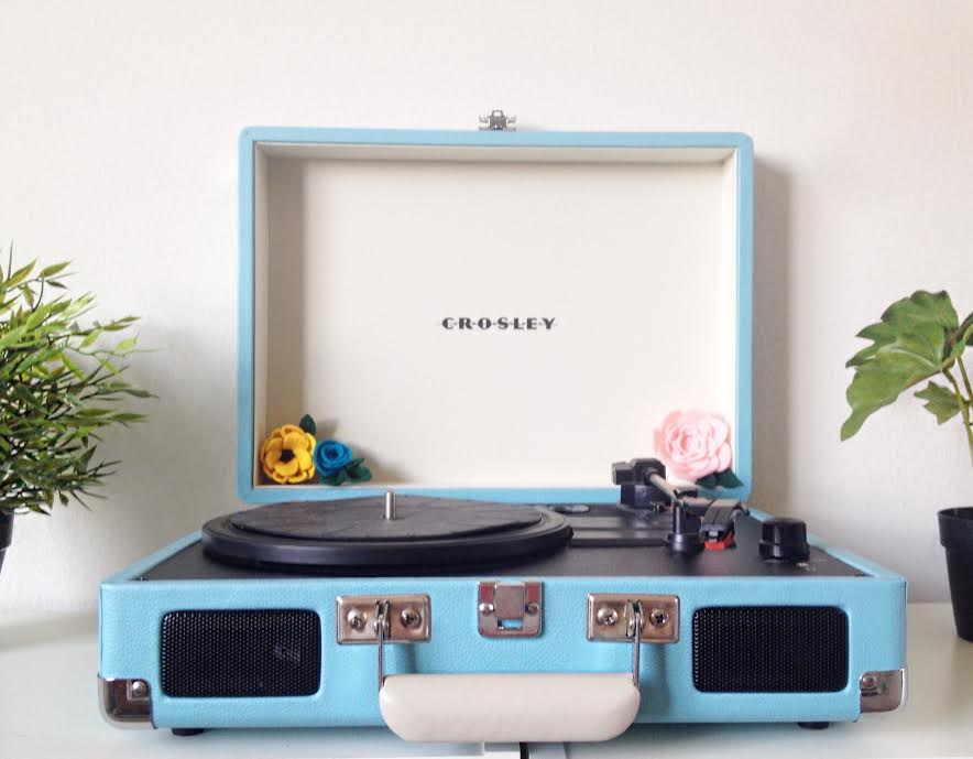 Crosley Cruiser Portable Turntable Review!