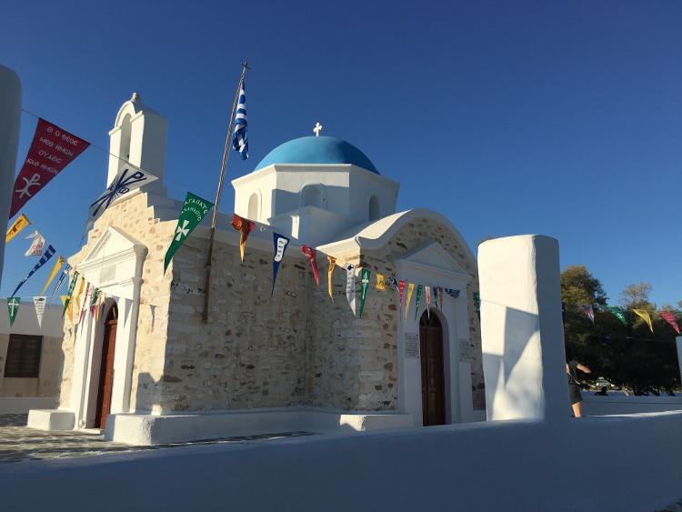 chiesetta cicladica a paros