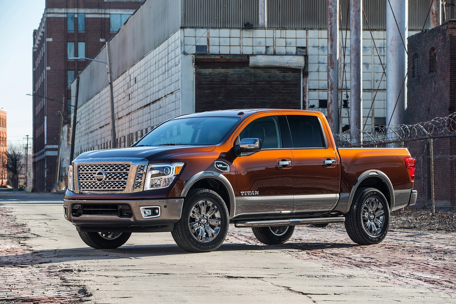 Towing and hauling informed and in control like the titan xd the titan half ton offers cutting edge available towing utility features and driving aids
