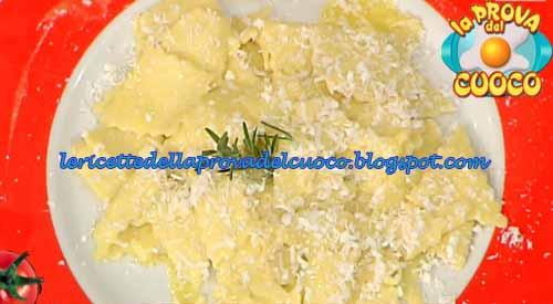 Maltagliati con zucchetta trombetta e ricotta salata for Cucinare zucchine trombetta
