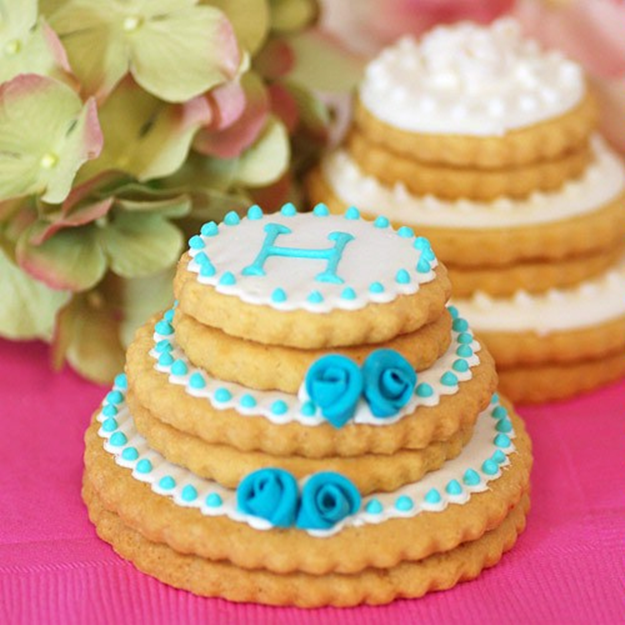 stacked wedding cake cookie favors federica amp vera cara de bolacha 20462