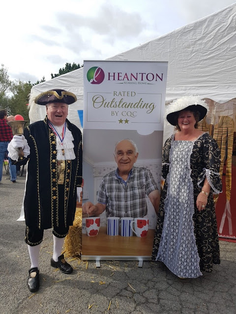 Ilfracombe's  Town Cryer, Roy Goodwin, with his wife Bea Goodwin