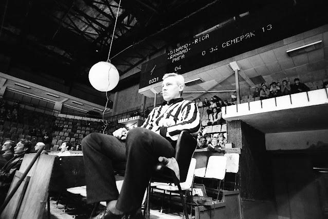 хоккейный судья арбитр