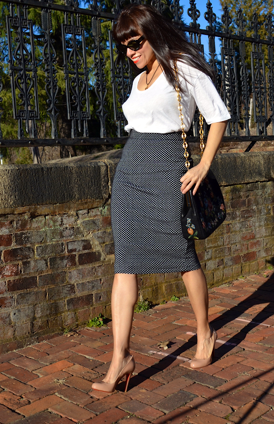 Pencil skirt and pumps