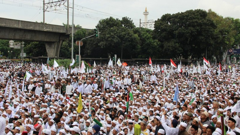 Ribuan massa demonstrasi Anti Ahok, 4 November