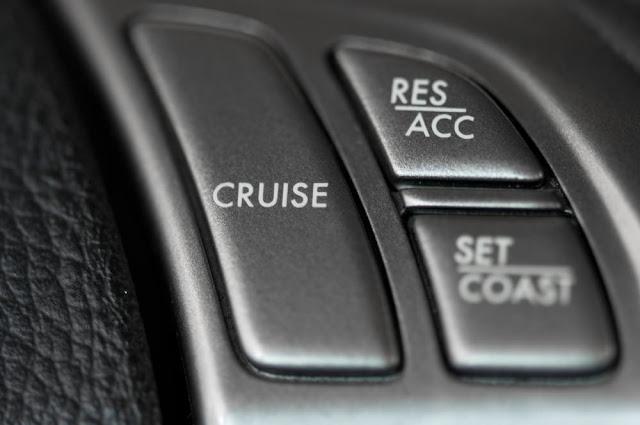 ¿Para qué sirve el control de crucero?