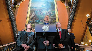 http://www.chicagotribune.com/news/opinion/zorn/c-illinois-rauner-budget-zorn-perspec-0603-md-20160602-column.html