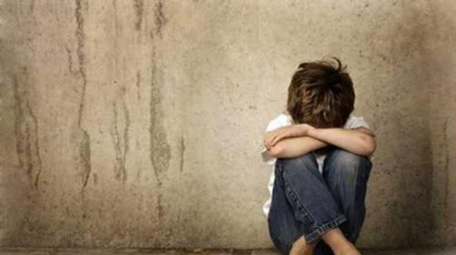 Μαθητές στον Βόλο κατηγορούνται για κατ' εξακολούθηση βιασμό 10χρονου
