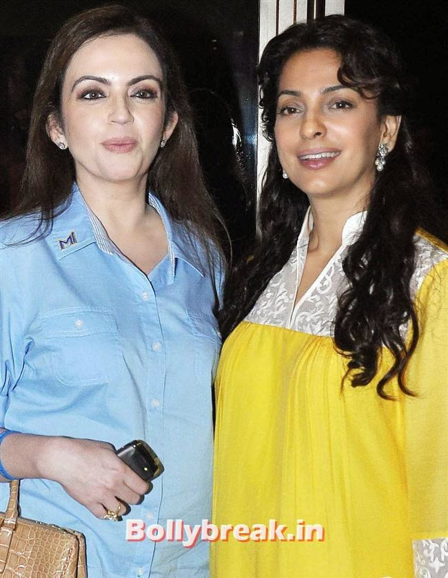 Nita Ambani and Juhi Chawla, Raveena Tandon, Nita Ambani at Nawaz Modi Solo Art Exhibition