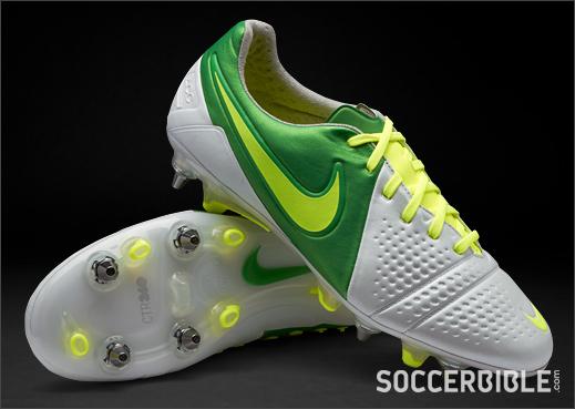 c95a0c015 Nike Mercurial Vapor III