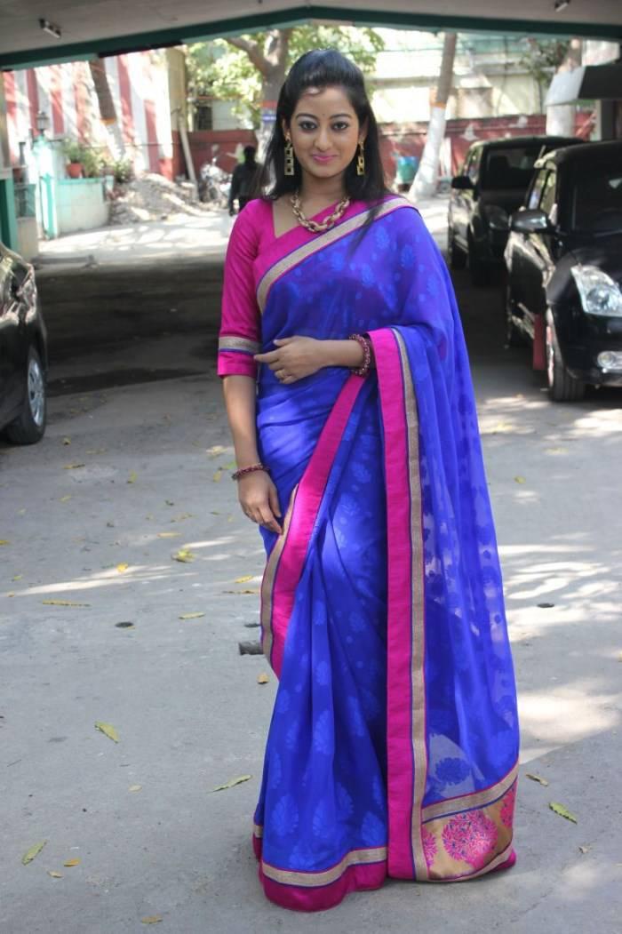 South Indian Actress Tejaswini Prakash Hip Navel Photos In Designer Blue Saree