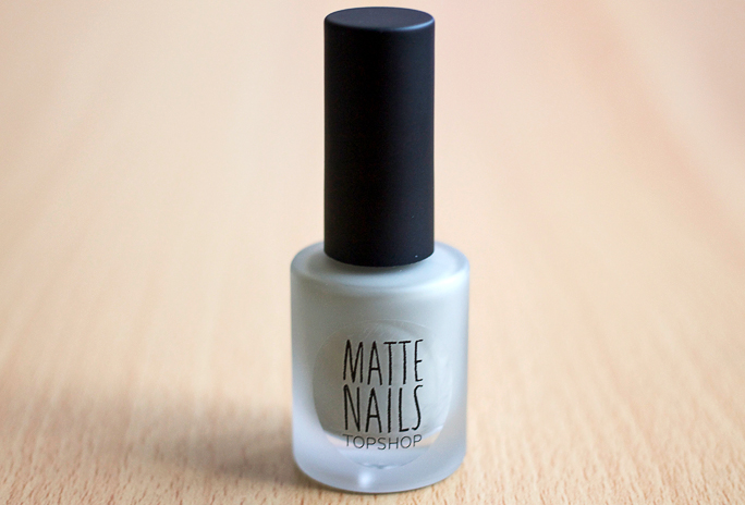 NOTD | Topshop Matte Nails in Easy Peasy