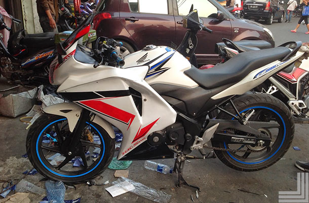 Modifikasi Motor CB150R full Fairing