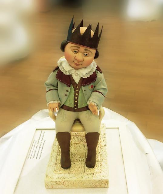 """Выставка авторской куклы в Самаре """"Куклы. Эмоции. Чувства."""", Светлана Бузницкая (Жигулёвск) """"Почётный святой, почётный великомученик, почётный папа римский нашего королевства..."""""""