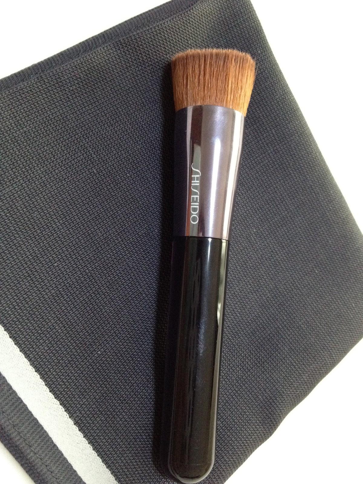 Foundation Brush: Miaka's Life And Loves: Review: Shiseido Perfect