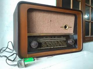 Lapak Radio Antik ...Jual Kondisi Mati