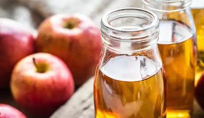 Gambar Cuka Apel Bahan Alami Menghilangkan Bekas di Wajah