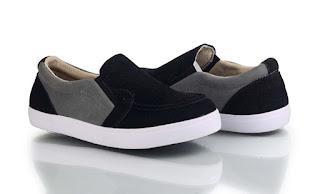 Model Sepatu Sekolah Anak Perempuan Keren Terbaru