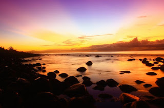 http://www.teluklove.com/2017/01/destinasti-keindahan-wisata-pantai-watu.html