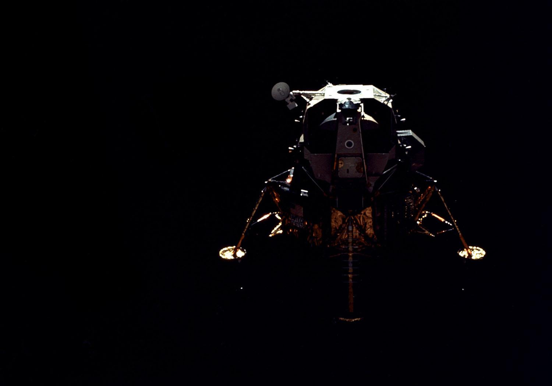 Аполло́н-16 Лунный модуль старт
