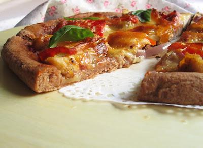 Здравословна пица с пилешко и блат от лимец