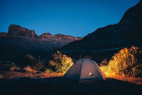 Mau Kemah Asyik? Ikuti 5 Tips Memilih Tempat dan Tenda Berkemah Berikut.