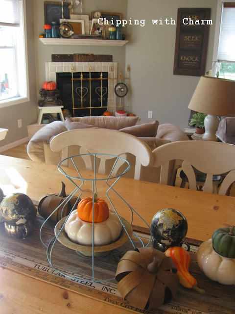 Chipping with Charm: Fall Centerpiece...http://chippingwithcharm.blogspot.com/