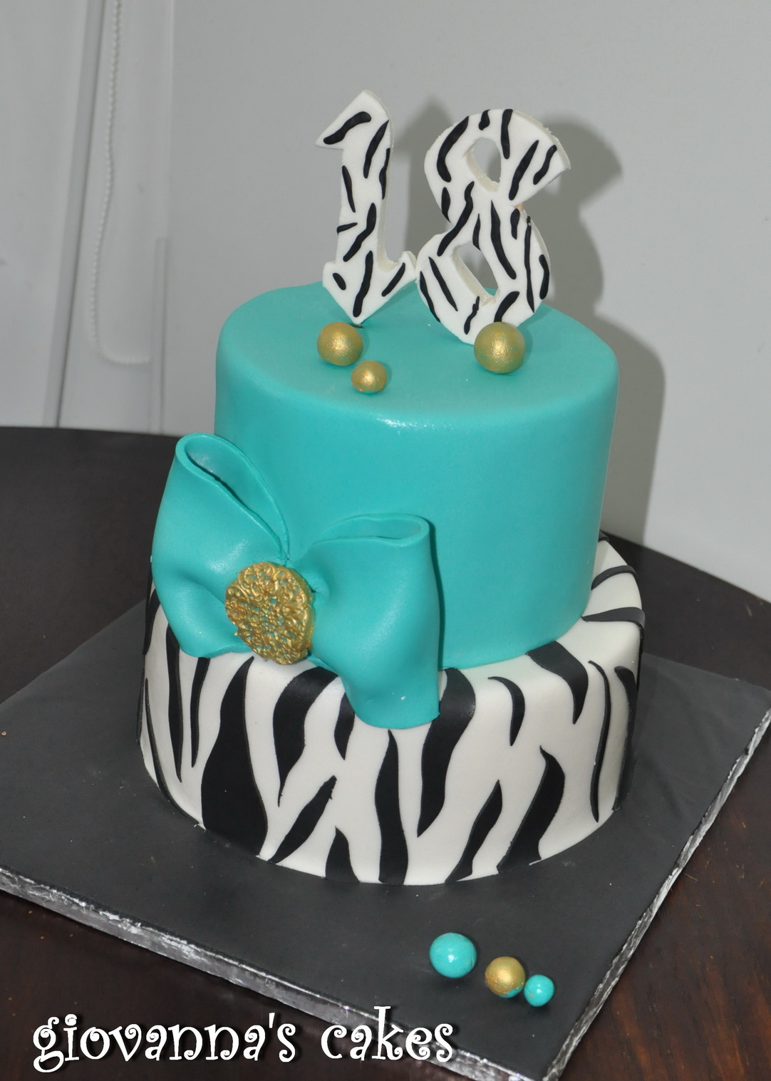 Giovanna S Cakes Sweet 18 Cake
