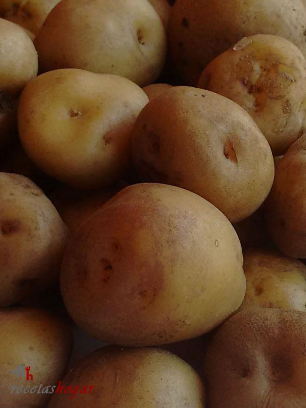 Deliciosas papas bonitas arrugadas