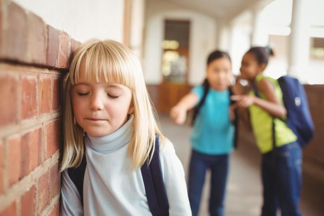 school bullying among the students in schools Bullying is most prevalent among students ranging from 11 to 13 years-old, and less frequent in nursery and secondary school children 14,17,26 among aggressors, male individuals predominate in cases of victimization there are no large differences between genders: boys are bullied as often as girls .
