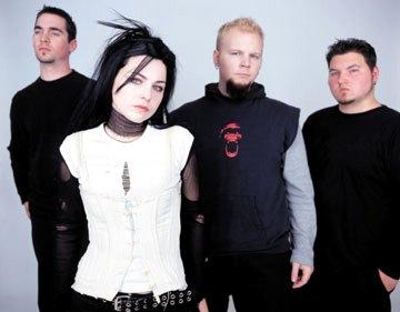 Foto de Evanescence fuera de los escenarios