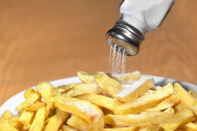 Efeitos Prejudiciais do Excesso de Sal nos Alimentos