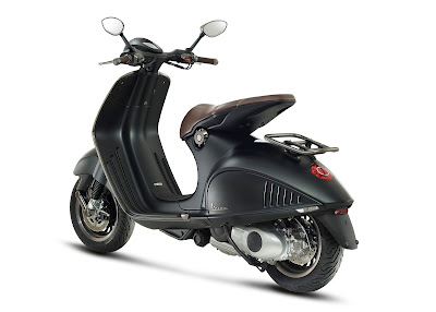 Vespa 946 Emporio Armani hd photo collection