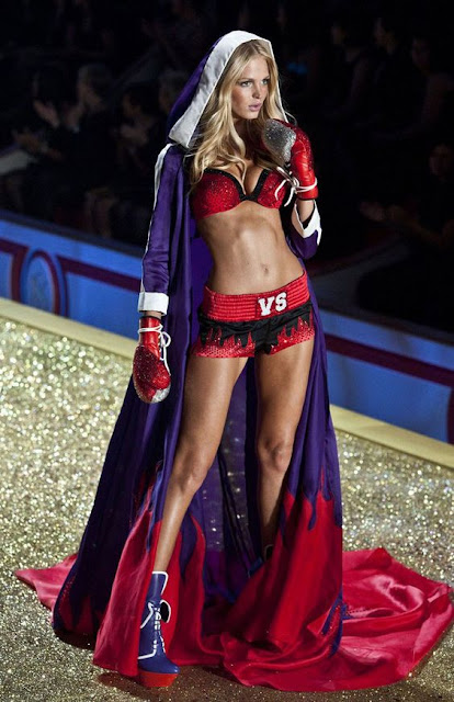 Erin Heatherton anjo da marca de lingerie Victoria Secrets