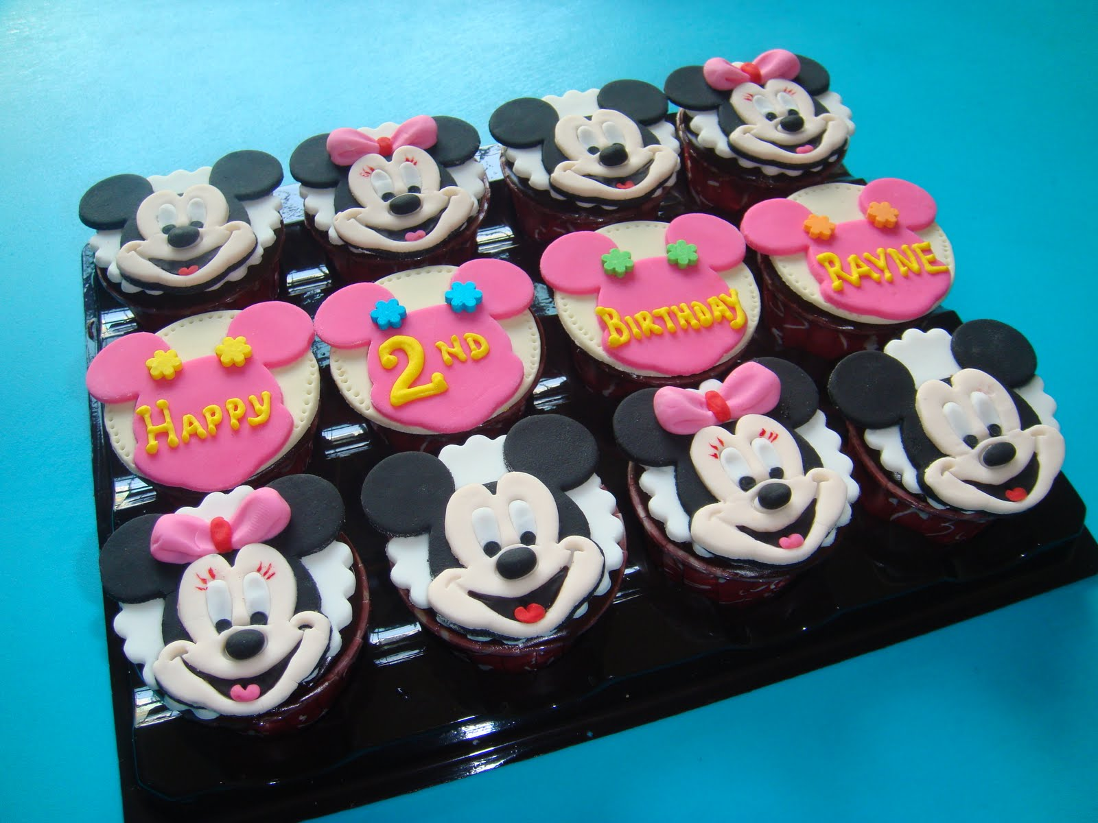 Yummy Baking Mickey Amp Minnie Cupcakes
