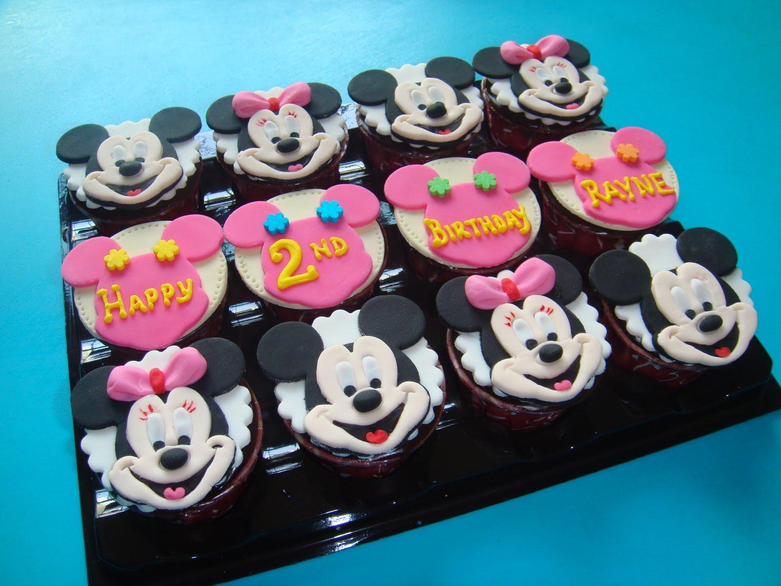 Yummy Baking Mickey Amp Minnie Cupcakes