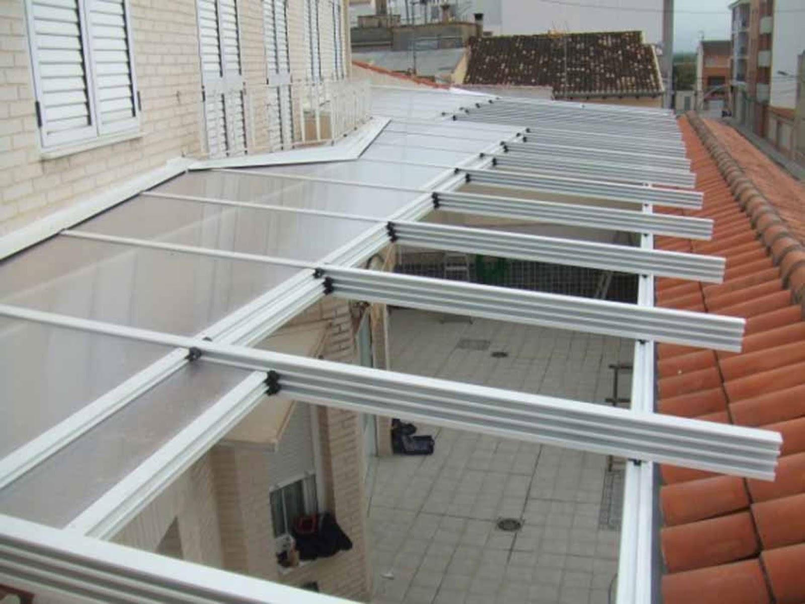 Instalaci n de techos m viles cerramientos en le n - Vidrio de policarbonato ...