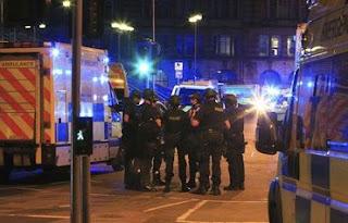 Estado Islâmico assume autoria de atentado durante show em Manchester