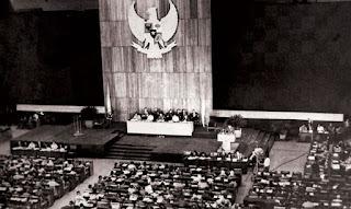 Penyimpangan terhadap Pancasila dan UUD 1945 pada Masa Demokrasi Terpimpin
