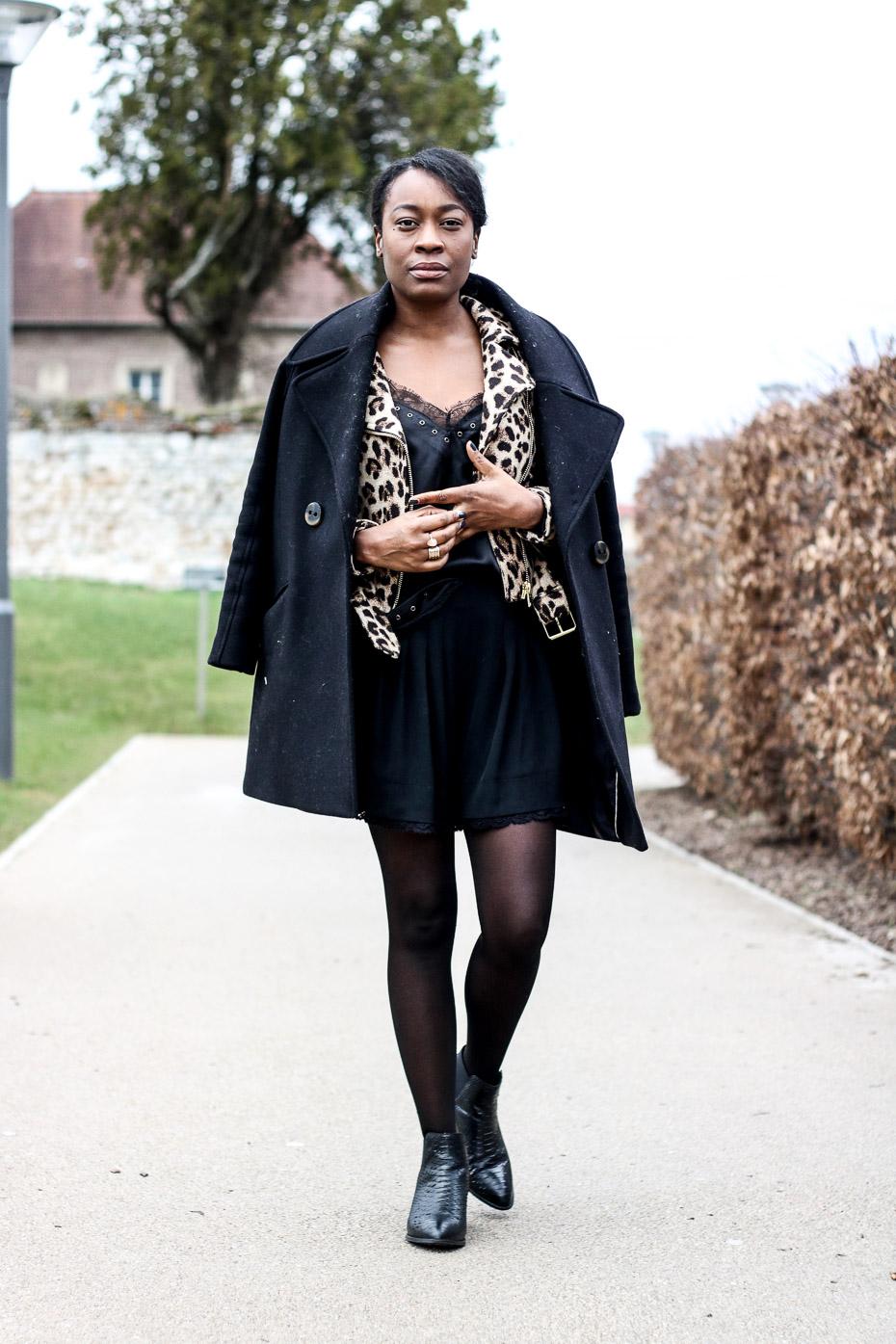 tenue-chic-avec-un-perfecto-leopard