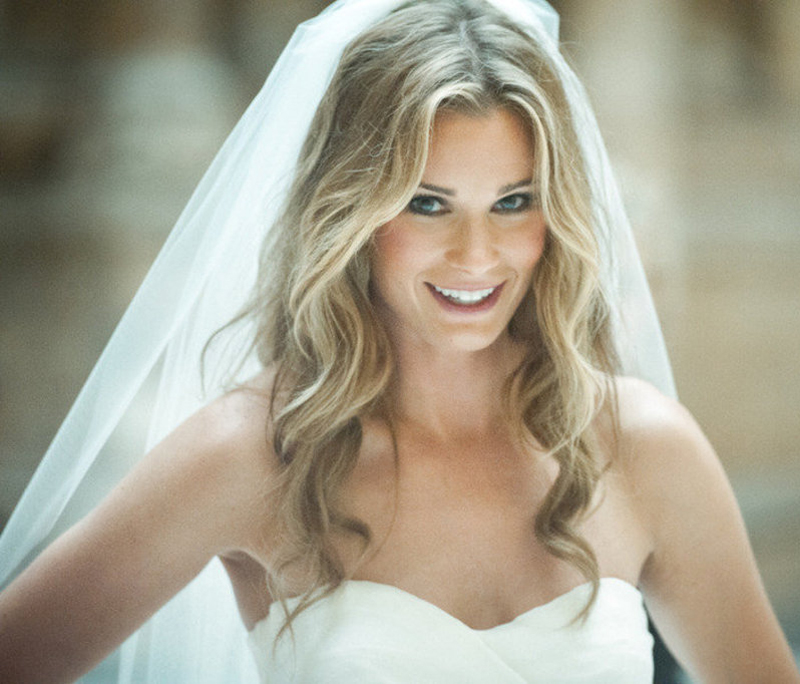 7 Ways To Style Your Hair Under A Wedding Veil