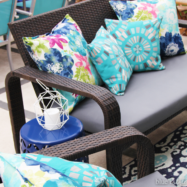 diy with style} The No-Sew Way to Reupholster Outdoor ...