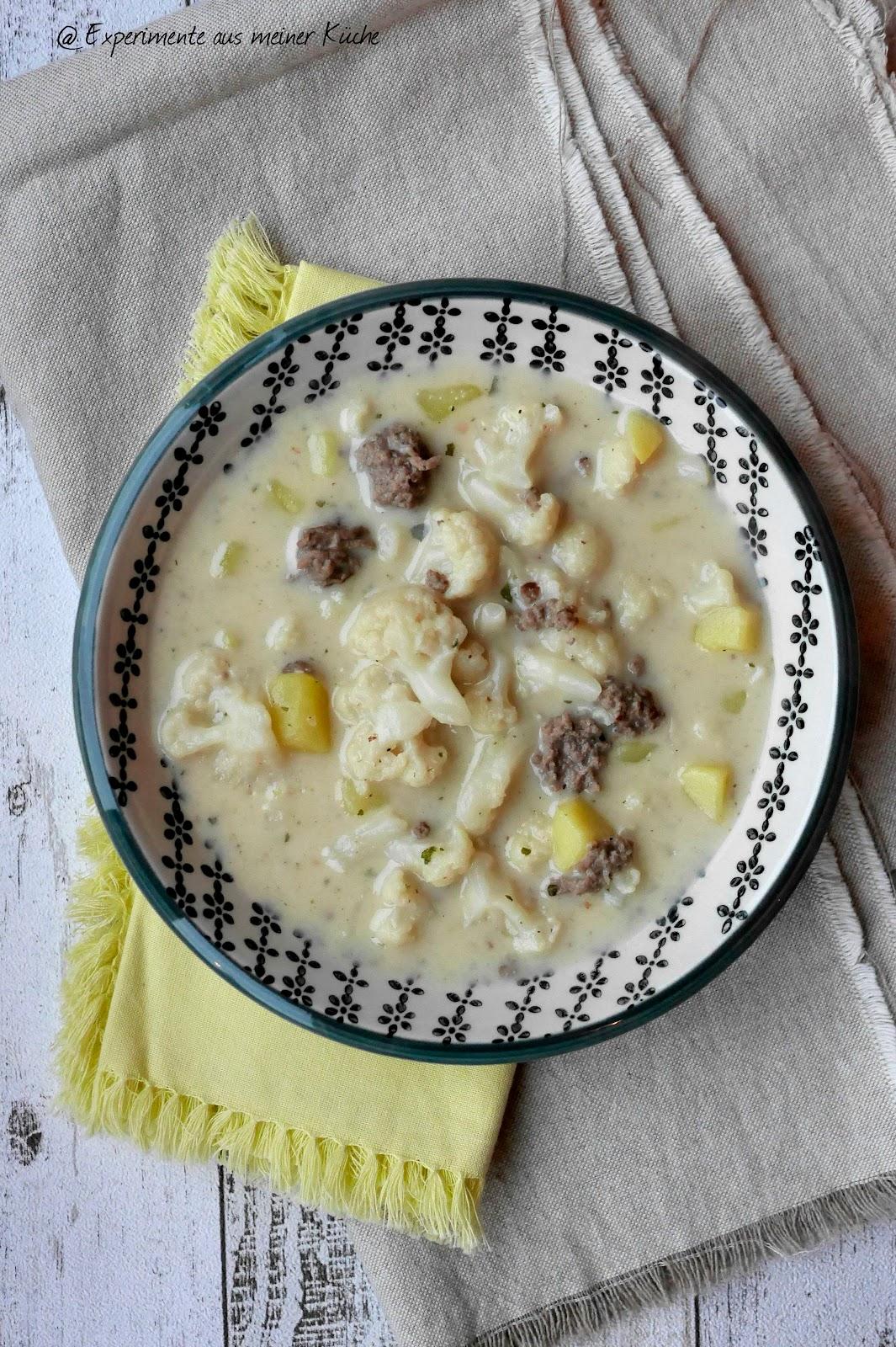 Leichte Blumenkohl-Käse-Suppe mit Hackfleisch